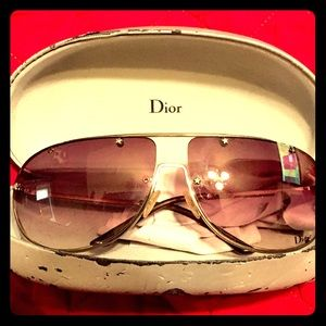 🖤Authentic Christian Dior Aviator Sunglasses🖤